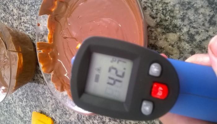 Como temperar Chocolate sem pedra nem termômetro